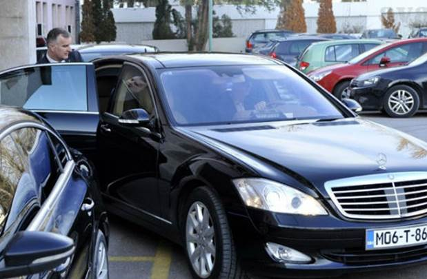 Lijanovićevi službenici voze 13 automobila!