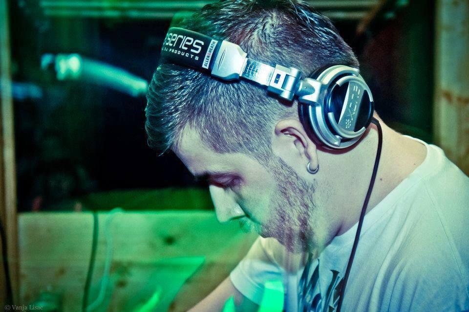 DJ RIVEN1