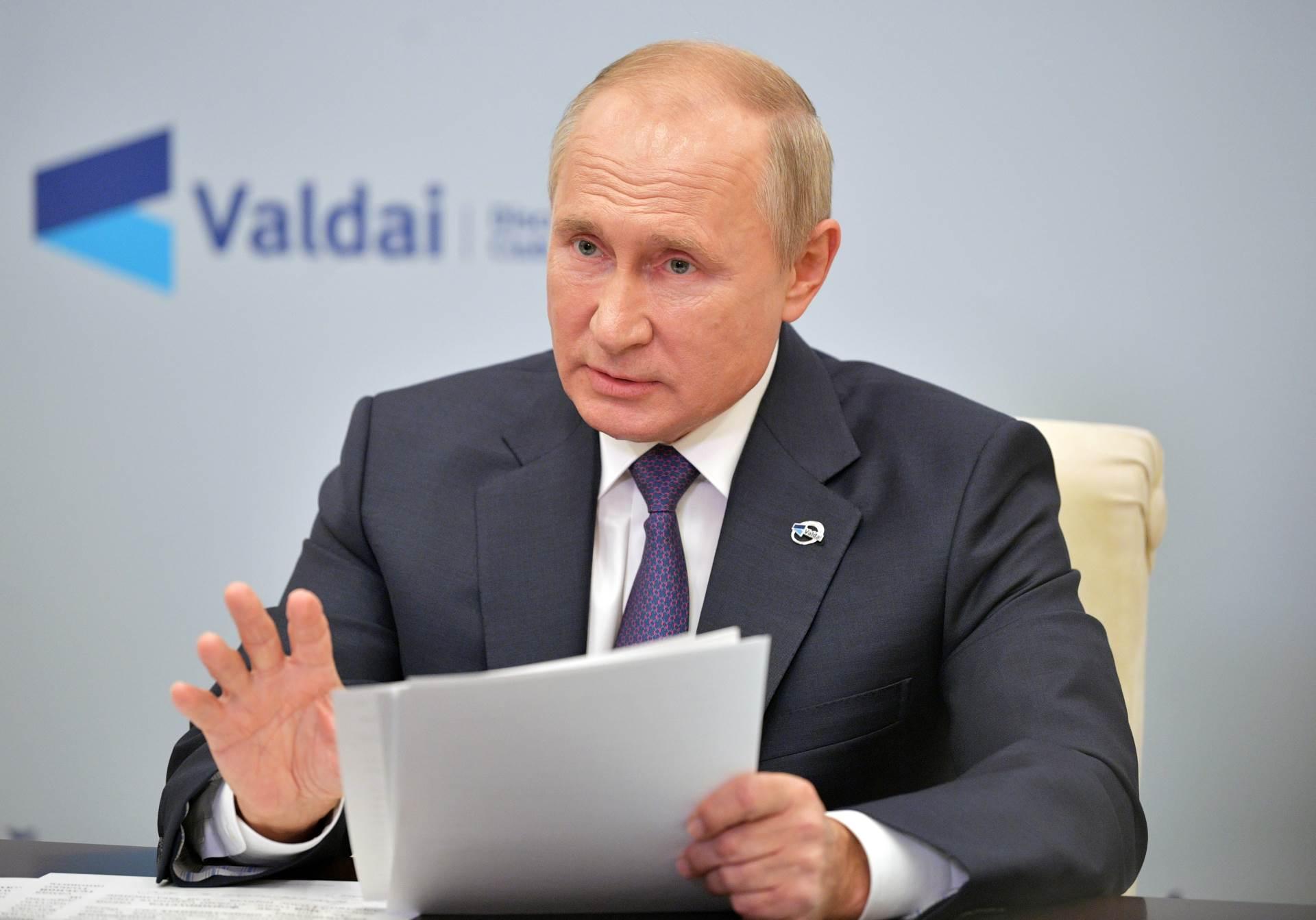 2020 10 22T173242Z 1629013640 RC2TNJ9PK0SY RTRMADP 3 RUSSIA PUTIN