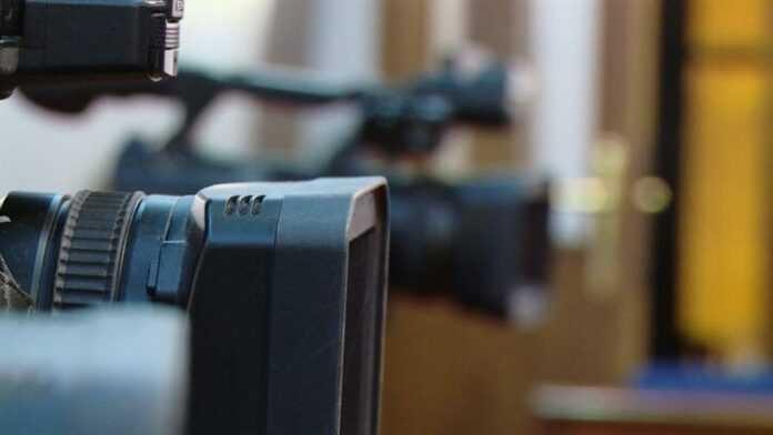 kamere mediji novinari 212143 725x408 1