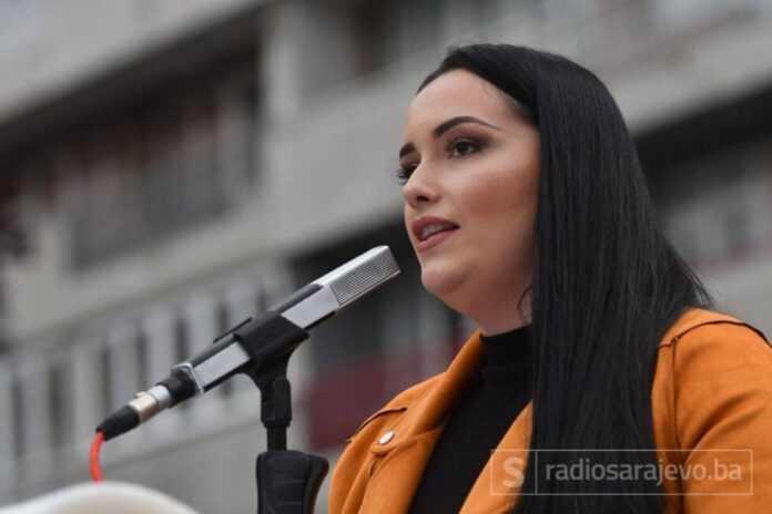 Arijana memic deveti protest2 NGRSA
