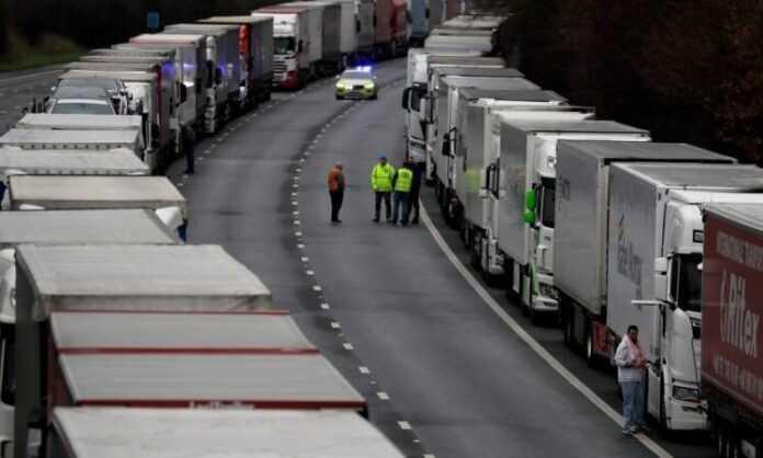 Britanija kamioni Foto AP