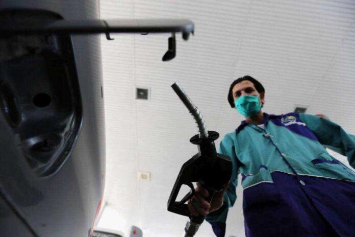 nafta benzin gorivo benzinska pumpa radnik okt20 EPAEFE