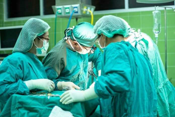 operacija operaciona sala hirurg