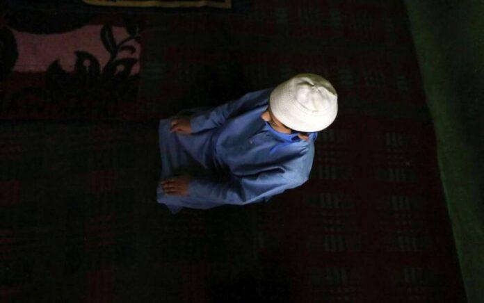 islam musliman vjernik molitva namaz klanjanje apr21 EPAEFE