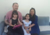 Filipinka Ingrid sa porodicom