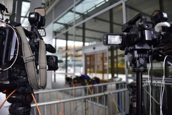 kamere mediji press novinari pixabay