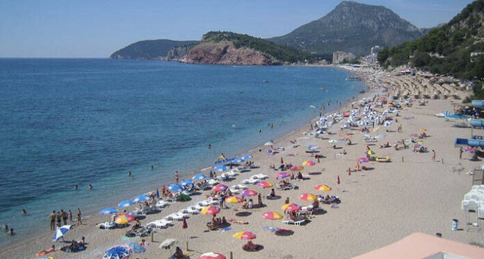 plaza more crna gora