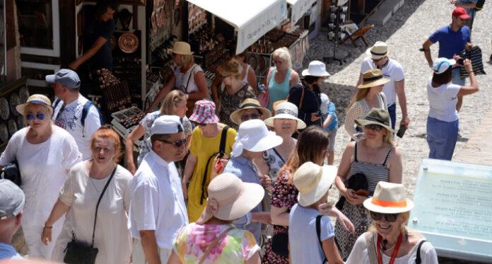 mostar turisti juni 1