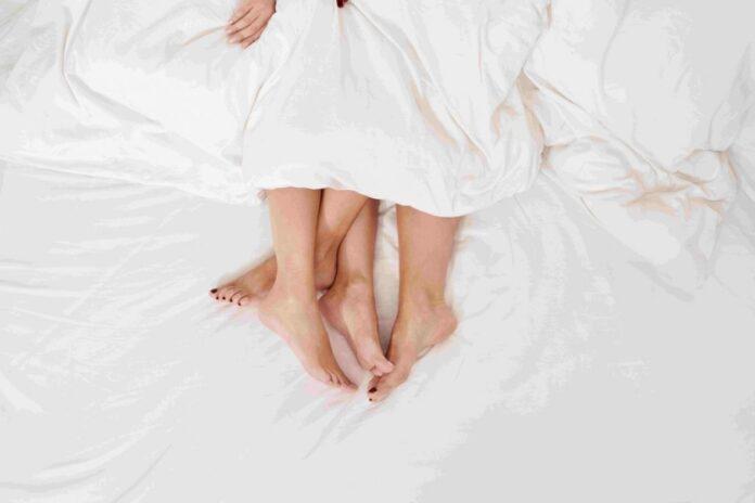 par ljubav krevet unsplash15aug
