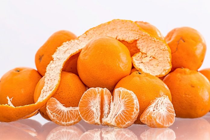 mandarina pixabay 2 696x464 1