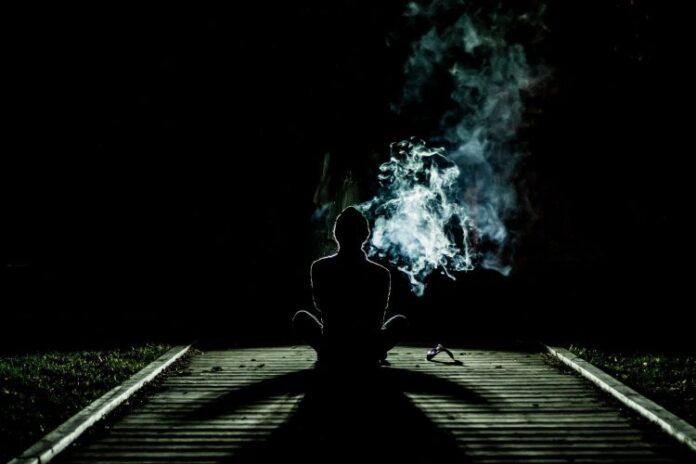 1633184637 1633184214 smoke g9705bef7e 1920 750x500 1