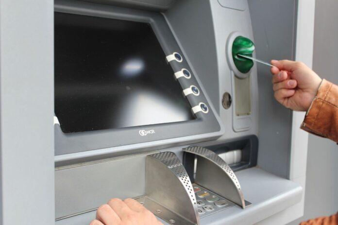 bankomat kartica novac foto pixabay
