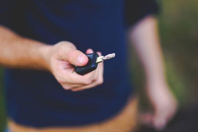 elektricni kljuc automobil pixabay