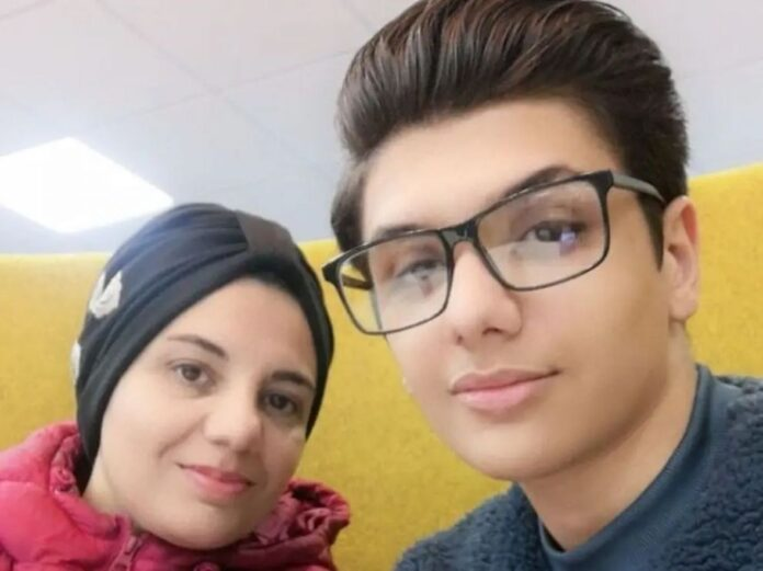sirija majka sin facebook manal rawaeh