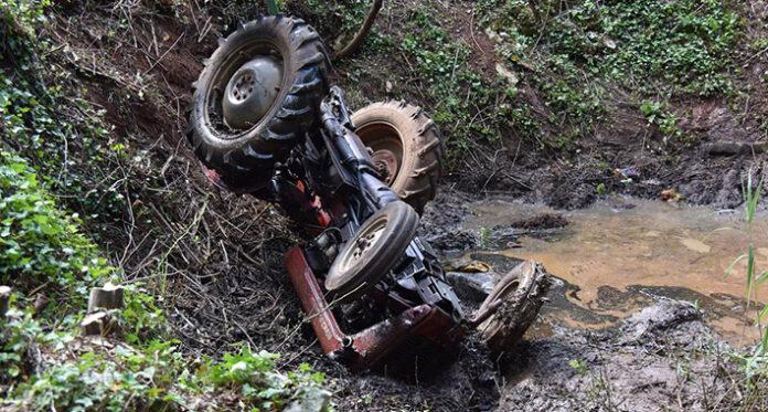 traktor nesreca prevrtanje pixsell
