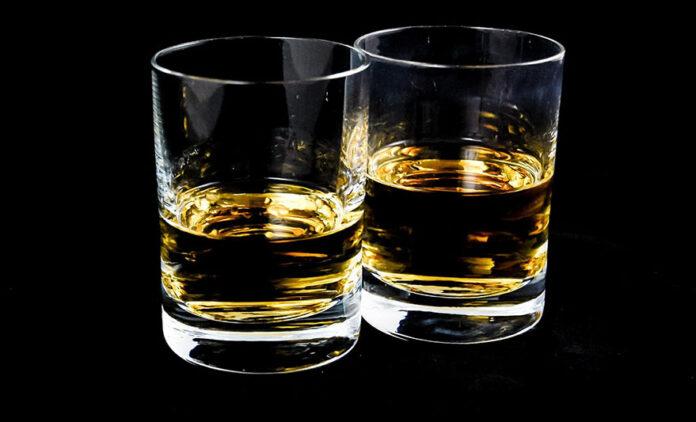 viski alkohol pixabay ilustracija
