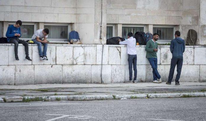 VH Migranti Sarajevo 7 Copy 696x408 1
