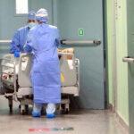 covid koronavirus bolnica medicinari pacijenti ilustracija