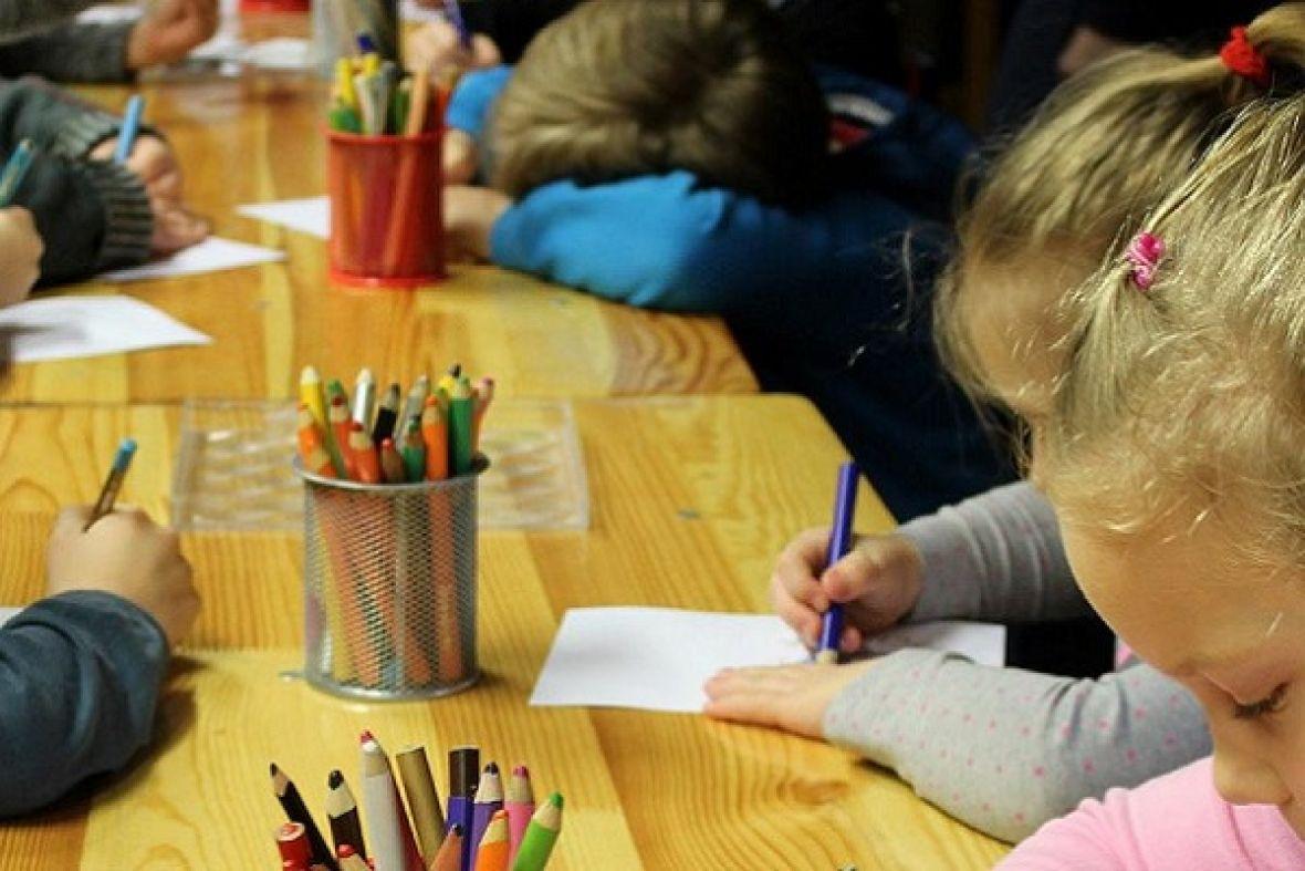 deca crtanje predskolsko vrtic obdaniste