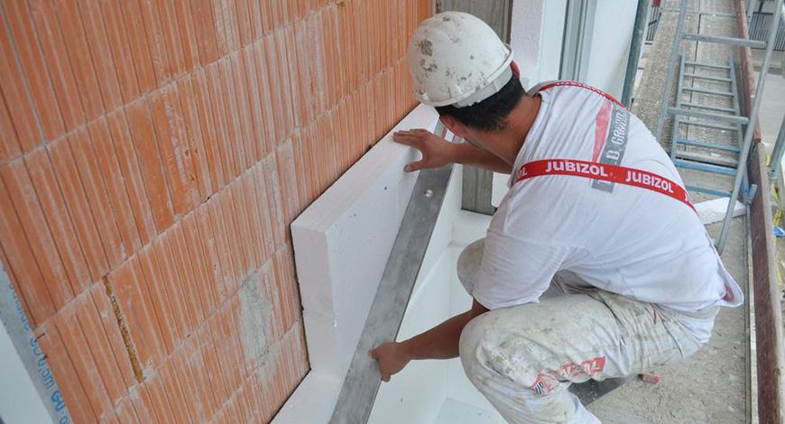Je li bolja unutrašnja toplotna izolacija ili fasada? Evo šta kažu  stručnjaci... | Portal 072info