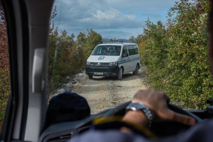 granicna policija migranti 696x464 1