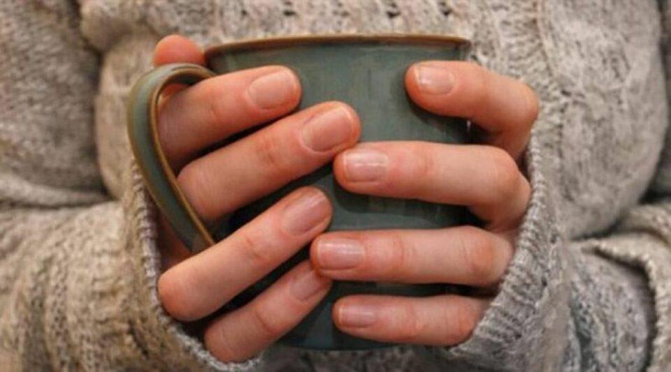 hladnoca hladni prsti prehlada gripa zima caj pixabay