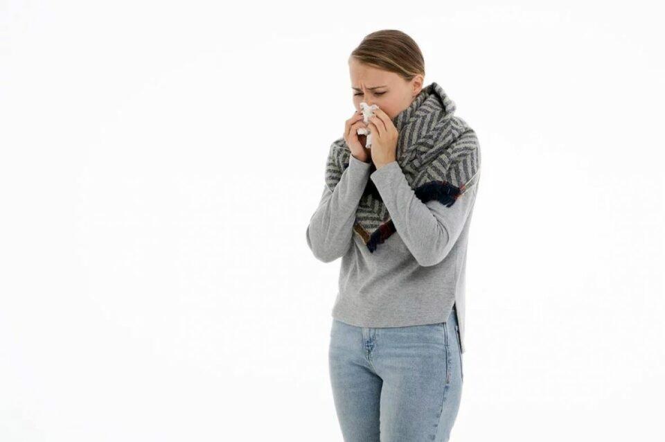 koronavirus covid19 kasalj prehlada gripa kihanje epidemija pandemija bolest pixabay