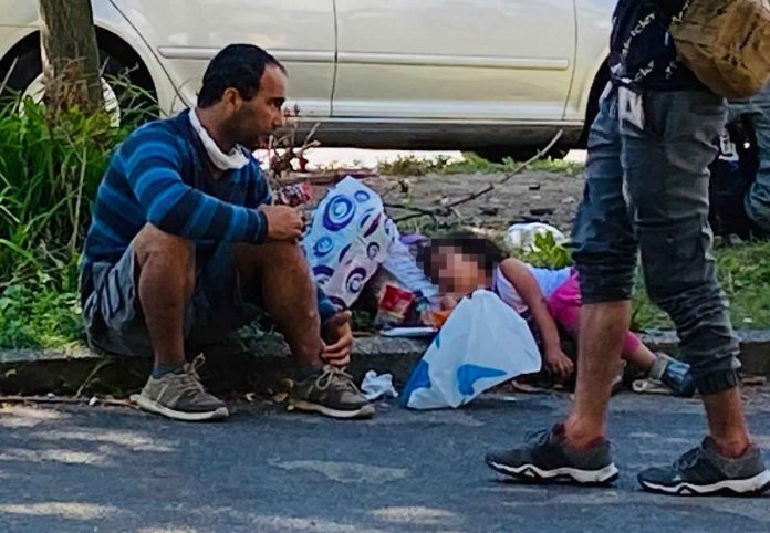 migranti tuzla hay 4 696x482 1