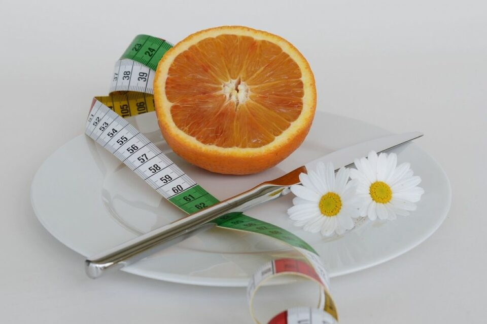 narandza tanjir noz mjerenje dijeta ilustracija