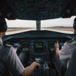 pilot kokpit avion ilustracija pixabay 2 696x464 1