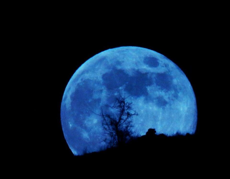 plavi mjesec 1