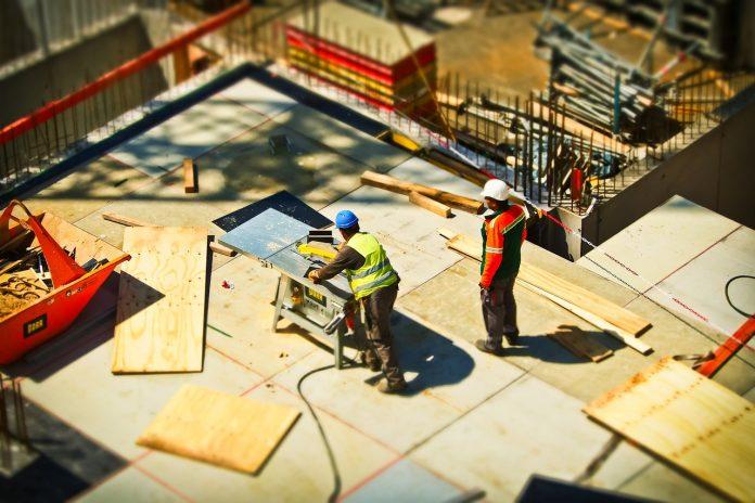 radnici gradjevina pixabay 696x464 1
