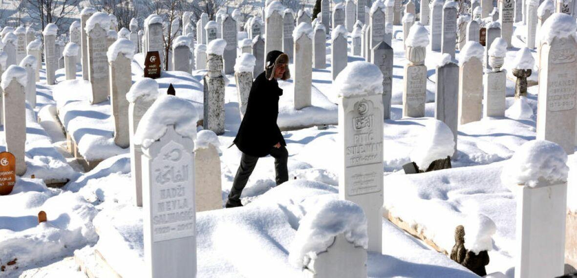 ravne bakije groblje