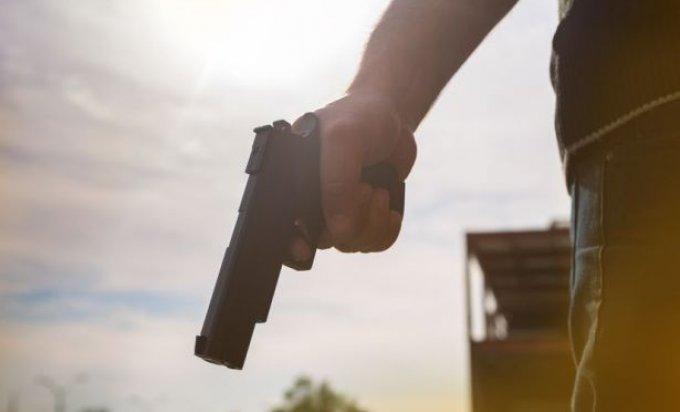 razbojnik pistolj